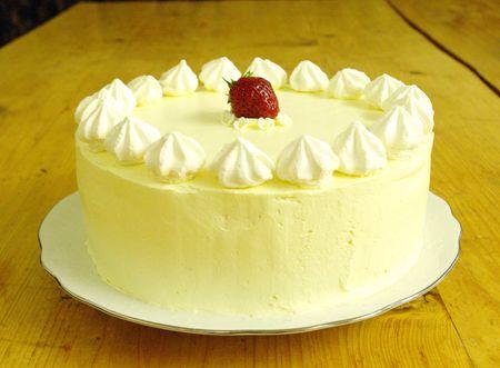 Un layer cake fraises Philadelphia pour les grandes occasions !