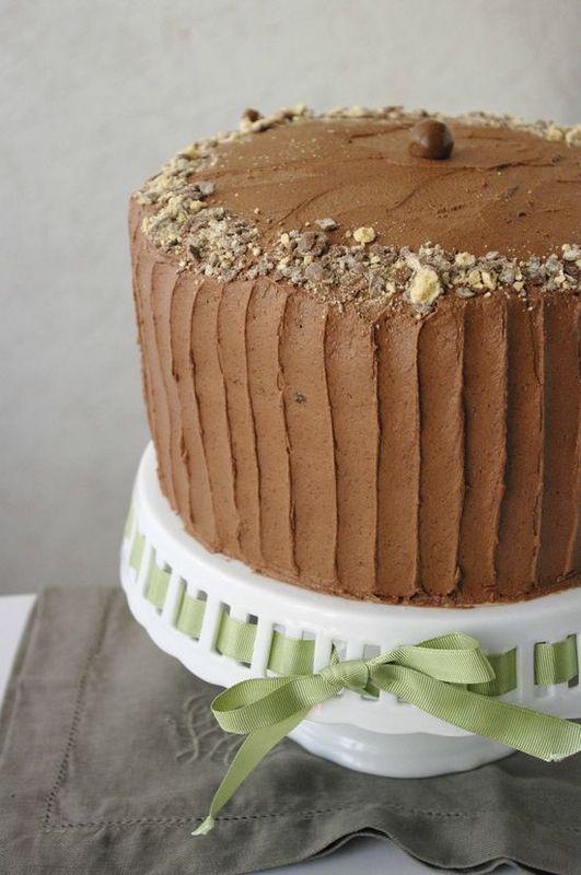 Un énorme layer cake au chocolat et Maltesers pour les grandes occasions