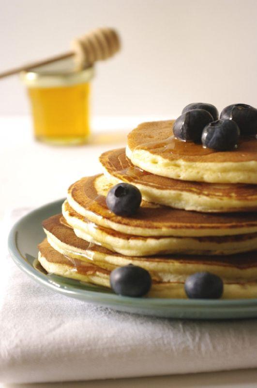 Pile de pancakes à la myrtilles