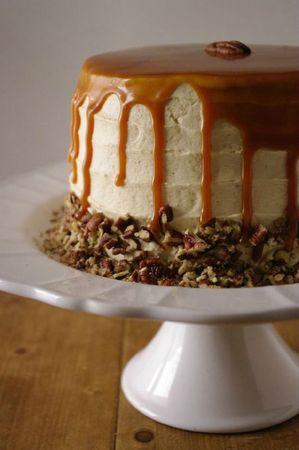 Un layer cake automnal aux pommes et aux épices