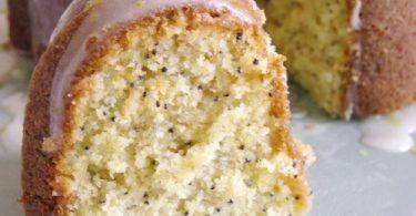 Part de gâteau citron pavot très moelleux