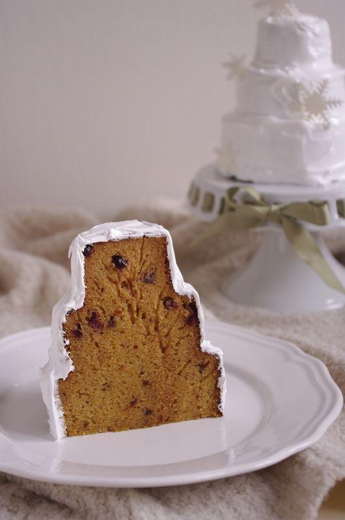 Gâteau orange et cranberries comme un pain d'épices