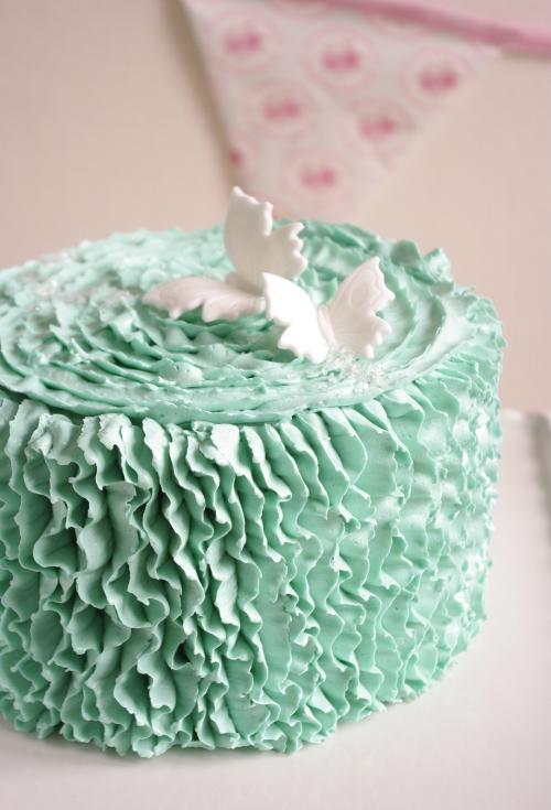Ruffle cake à la verticale