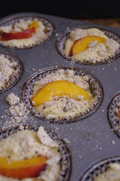 Muffins pêche crumble
