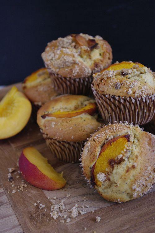 Muffins êche crumble avec des graines de pavot
