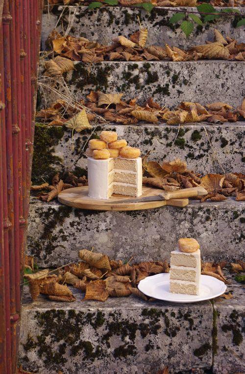 La découverte de l'intérieur du layer cake donuts à la cannelle