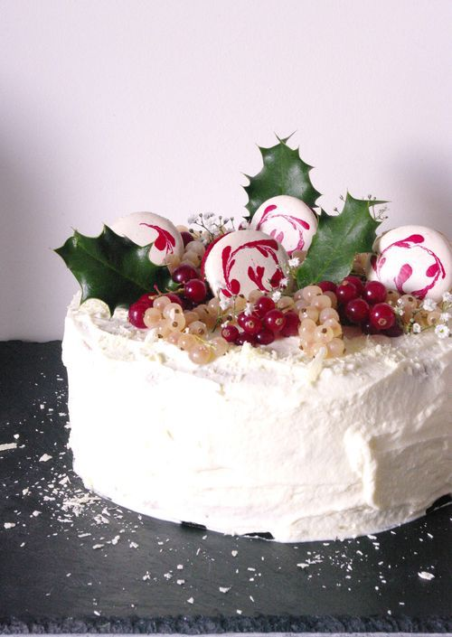 Layer cake fruits rouges, vanille et citron vert
