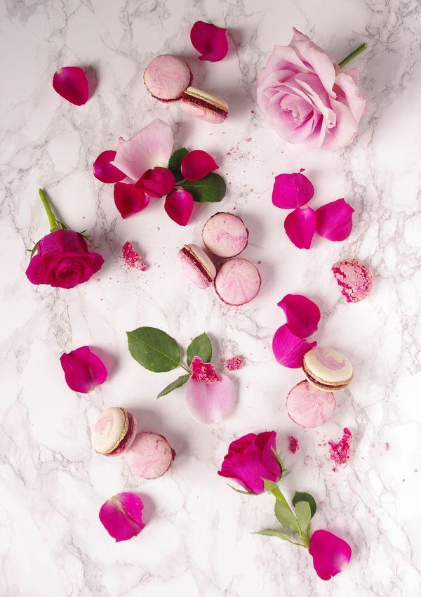 Macarons à la framboise et à la rose