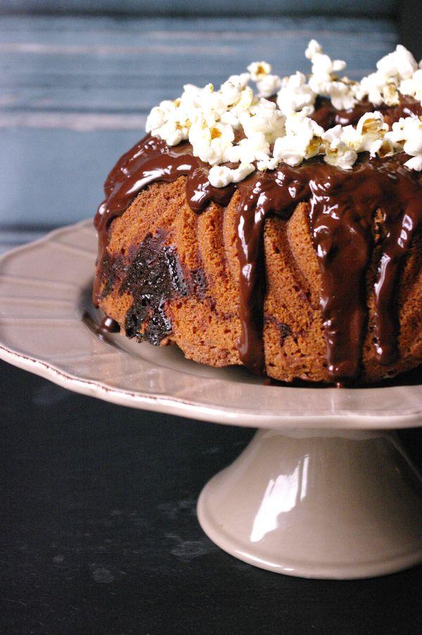 Gâteau à la confiture de lait, chocolat et noix de pécan