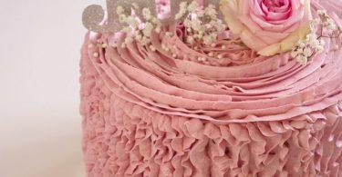 Gâteau d'anniversaire à volants