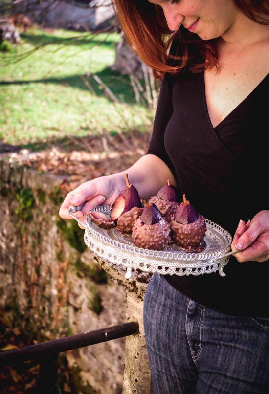 Valérie Décoret shooting photo de poires au chocolat à la campagne