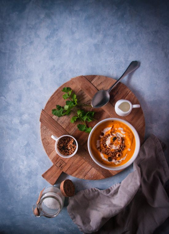 Une soupe carotte patate douce pour mettre de la couleur dans l'assiette