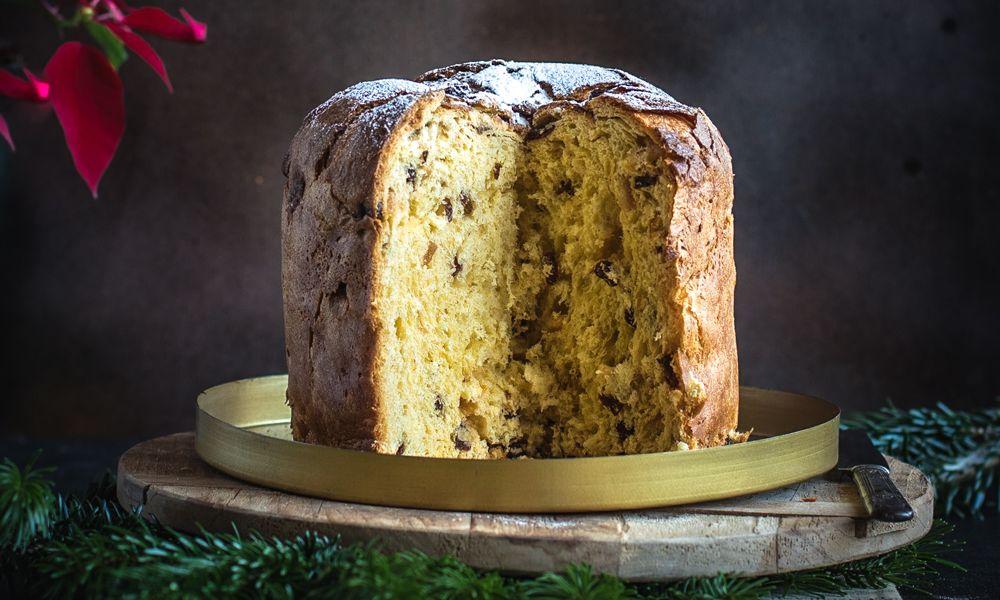 Panettone aux parfums d'hiver avec marrons glacés, agrumes, noisettes et pépites de chocolat