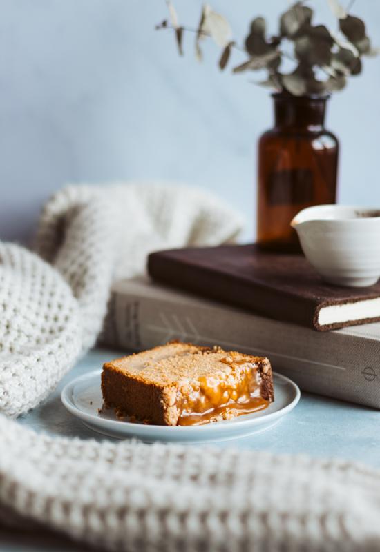 Séance hygge avec un bon cake