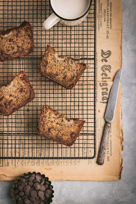 Tranches de banana bread aux pépites de chocolat