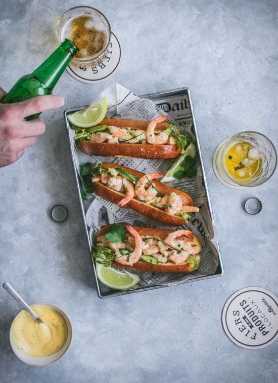 Sandwich crevettes, mayonnaise pimentée et avocat