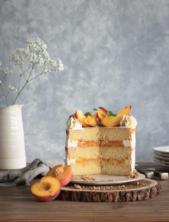 Gâteau à la vanille et compote de pêches