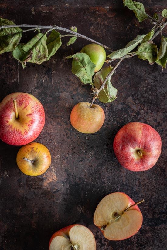 Pommes rouges et jaunes