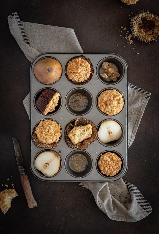 Muffins à la poire avec crumble sur le dessus