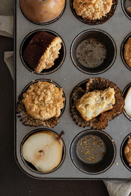 Muffins à la poire avec crumble