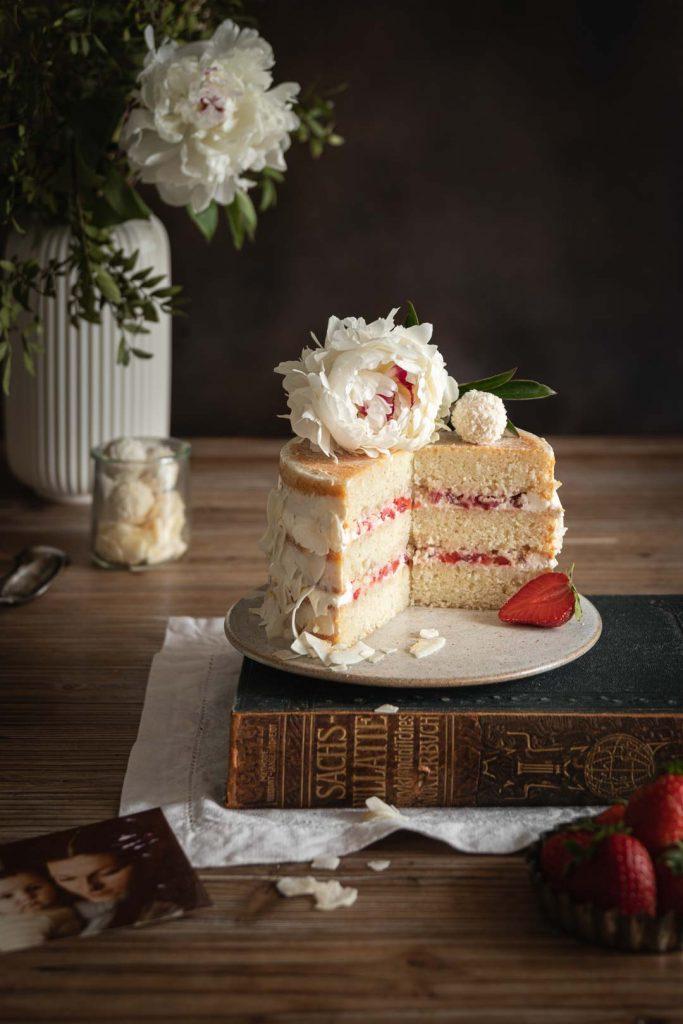 Gâteau à étages à la noix de coco